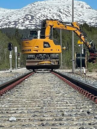 Nettpartner Bane og Fiber ERTMS Skonseng stasjon, med Saltfjellet i bakgrunn.